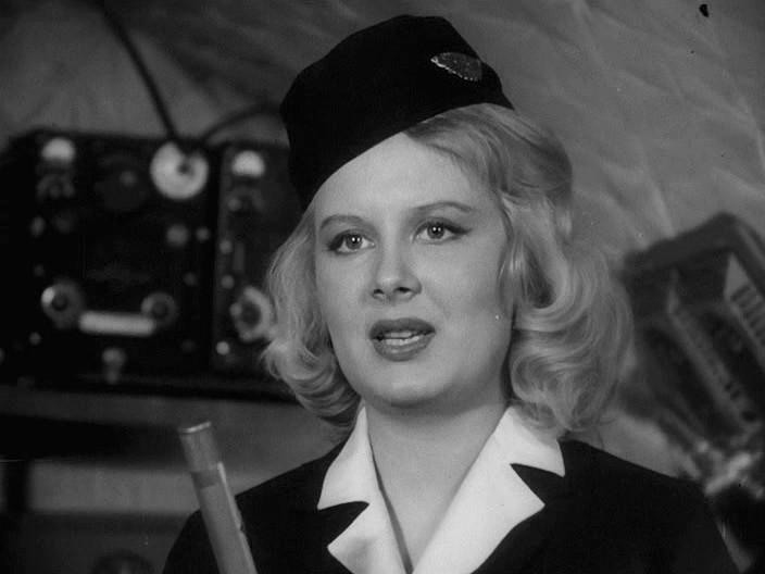 Кадр из фильма «713-й просит посадку»