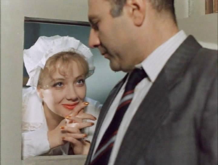 Кадр из фильма «Агенты КГБ тоже влюбляются»