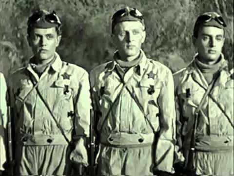Кадр из фильма «Юность командиров»