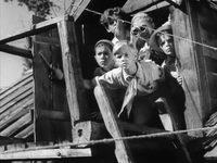Кадр из фильма «Тимур и его команда»