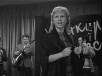 Кадр из фильма «Товарищ песня»