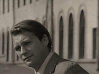 Кадр из фильма «Сергеев ищет Сергеева»
