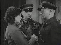 Кадр из фильма «Родина зовет»
