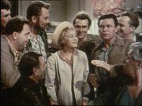 Кадр из фильма «Королева бензоколонки»