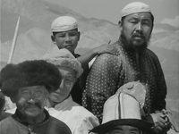 Кадр из фильма «Первый учитель»