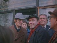 Кадр из фильма «По улицам комод водили...»