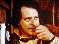 Кадр из фильма «Подарок одинокой женщине»
