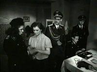 Кадр из фильма «Часы остановились в полночь»