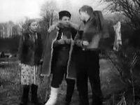 Кадр из фильма «Через кладбище»
