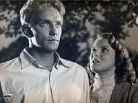 Кадр из фильма «Чужая в посёлке»
